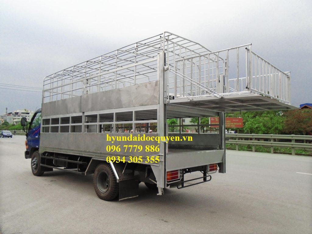 xe-cho-gia-suc-hyundai-5-tan-hd99-3