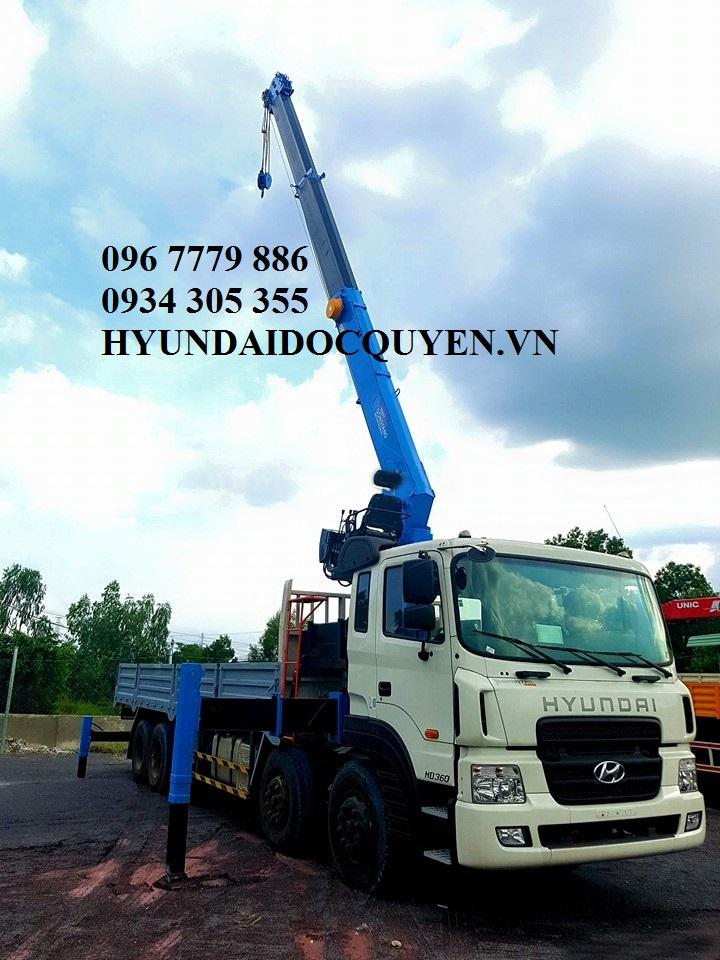 Hyundai 5 chân gắn cẩu 7 tấn